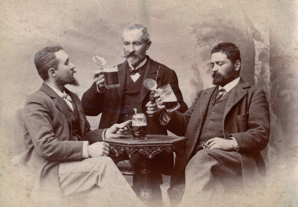 Guiseppe Menabrea, centre, and his two sons Carlo and Francesco