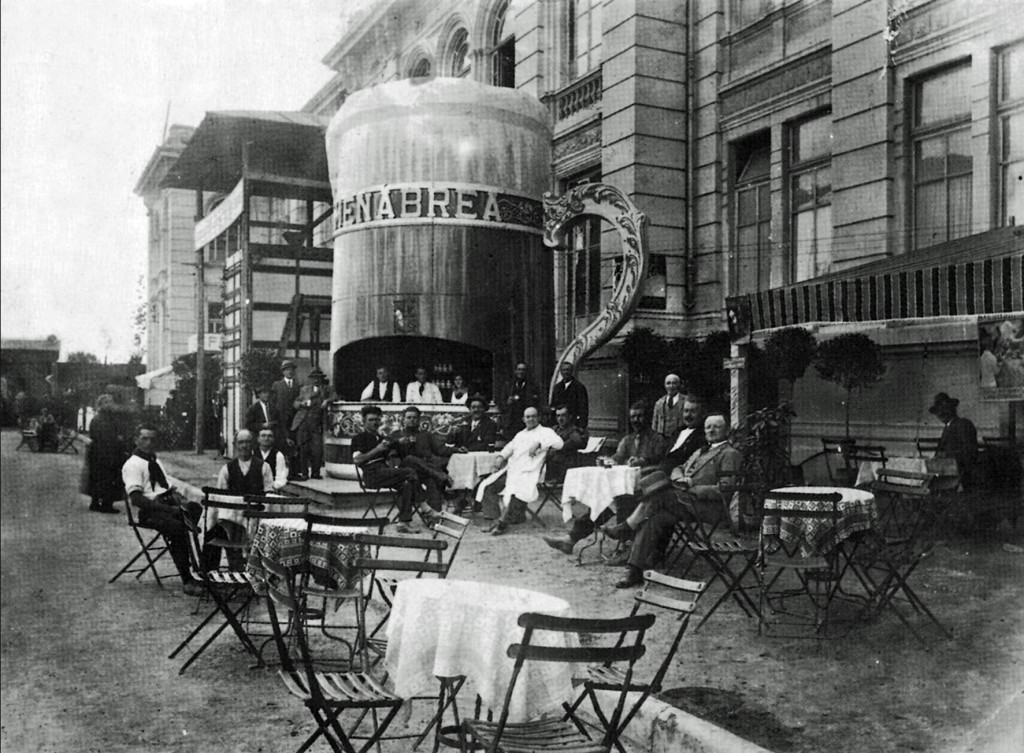 The Menabrea stand at the Esposizione Agricola Industriale di Vercelli in 1930