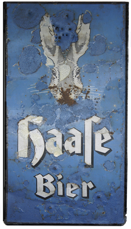 "The Haase brewery was founded in Breslau in 1858 by Eduard Haase, whose surname is the German word for ""hare"", hence the brewery logo. It was the biggest brewery in Eastern Germany, but was badly damaged during the attempted defence of Breslau against the Russians in 1945 and never reopened"